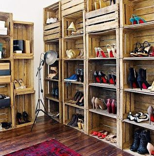 pallets!!!! D.I.Y shoe storage!