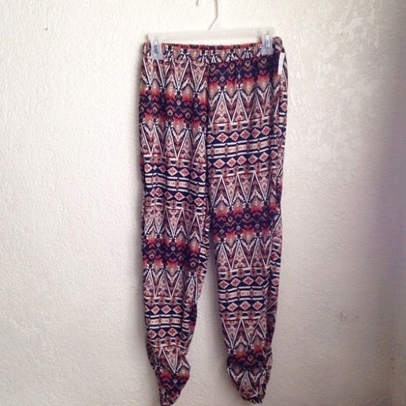 Tribal Print Pants super cute tribal print jogger/mc hammer pants, size S Pants