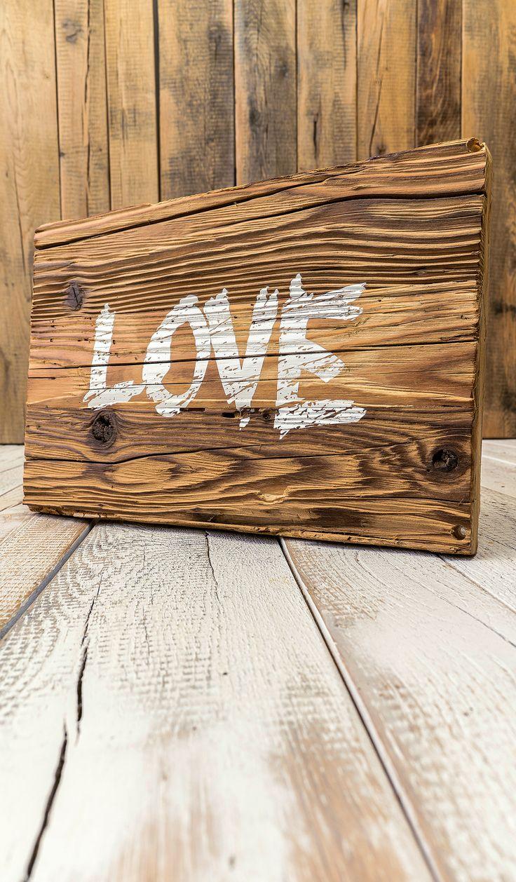 Wo Liebe ist das ist auch Leben. Natürlich schönes Altholz mit original sonnenverbrannter Oberfläche. Das zünftige und urige Altholz wird von den Außenverkleidungen alter Bauernhäuser, Stadel und Almhütten mit allen handwerklichen Raffinessen aufbereitet und bei uns für die zweite Verwendung als individuelles Holzbild hergerichtet. Entdecke die ganze Vielfalt der verschiedenen Holzarten, der Holzverarbeitung und dem Altholz unter https://www.holzdruck-manufaktur-hamburg.de/shop/