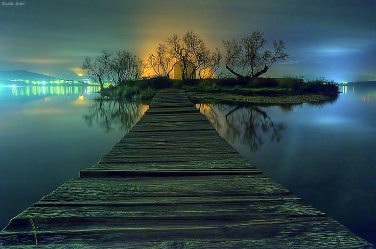 a dark bridge hdr