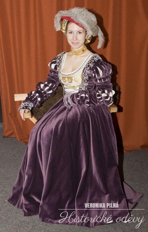 1530, german Cranach gown