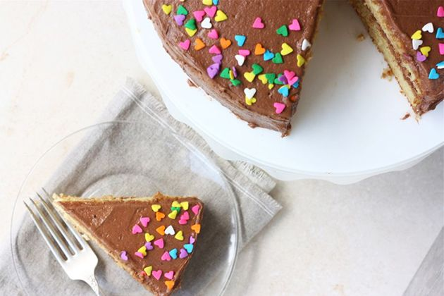 Cornmeal buttermilk cake: Buttermilk Cakes, Cakes Chocolates, Chocolates Cakes, Buttermilk Frostings, Cakes Cupcakes, Kitchens Blog, Heart Sprinkles, Blog Cornmeal, Cornmeal Buttermilk