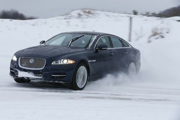 #2013 #V6 #Jaguar #XJ: #Everything you'd ever #want to #know about the new #AWD #system