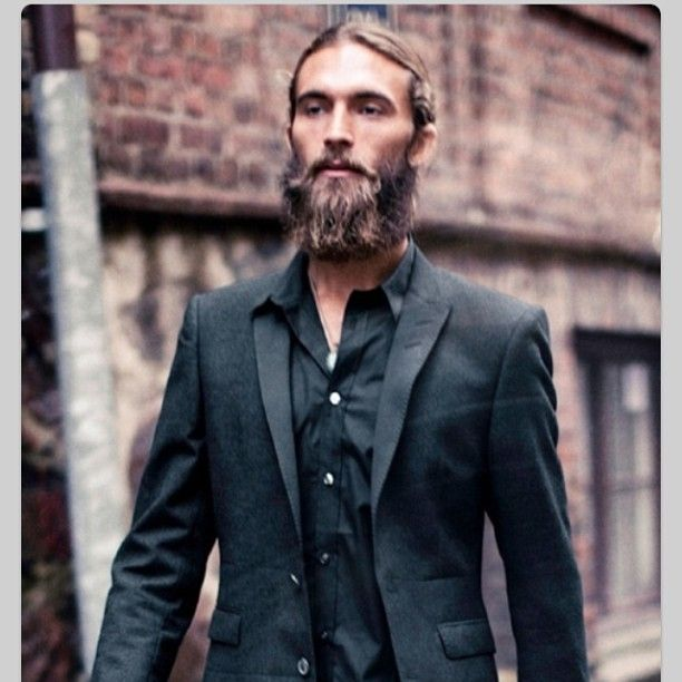 who knew ! #loving #guys with #beards in #sharp #suits #hellosailor #eyecandy #research #itsatoughlife #lovemyjob #justinoshea