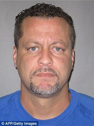 Michigan inmate who killed two bailiffs was cuffed in the front