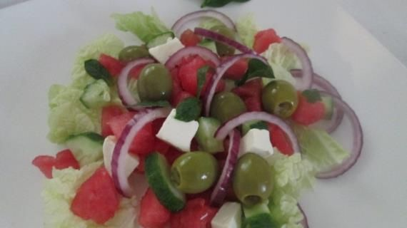 Салат из арбуза с фетой, пошаговый рецепт с фото