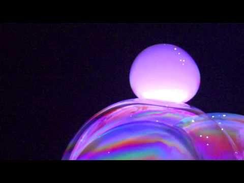 As Incríveis Bolhas de Sabão de Ana Yang | Tudo Por Email Recomenda - TudoPorEmail