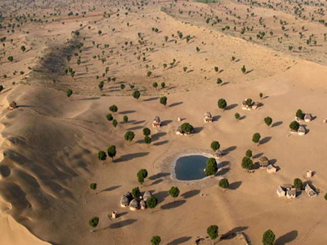 Most part of Rajasthan is covered by the dunes and deserts. Rajasthan is famed as the desert state of India and this tour will also satisfy the visitor who wishes to explore the deserts in the Rajasthan state. This tour will be for 9 nights and 10 days. 2 nights in Delhi, 2 nights in Jaipur, 2 nights in jaisalmer, 1 night in Agra, 1 night in Bikaner and 1 night in Jodhpur.