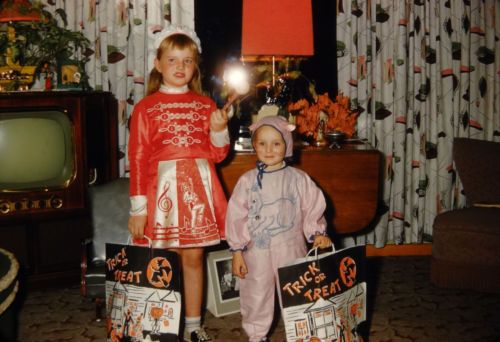 #260 50s Halloween Costumes, TV, Vintage 35mm Kodachrome Slide, Red Border