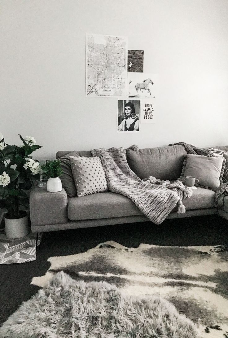 Textured Cushions. Textured Cushions Couch. Throw Blanket