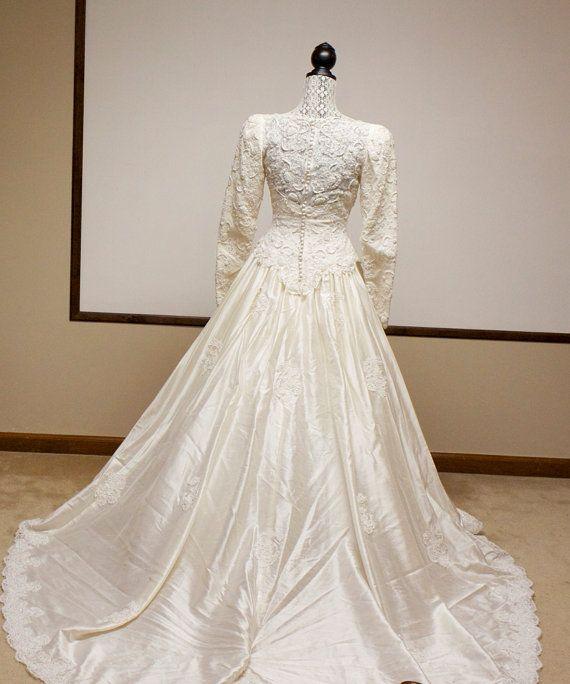 Christmas wedding winter wedding ideas and modest bridesmaid dresses