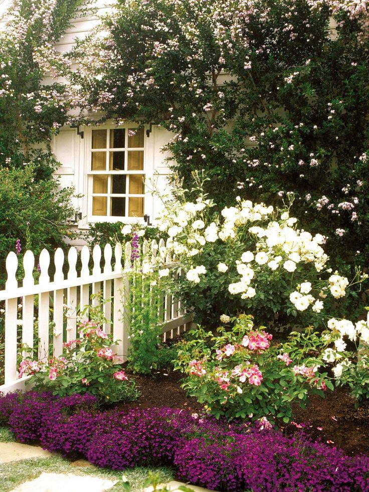 This White Picket Fence Sets The Boundary Between Yards