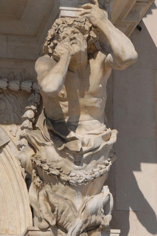 Atlante. Sculpture de Pierre Puget.  . Toulon (Var)