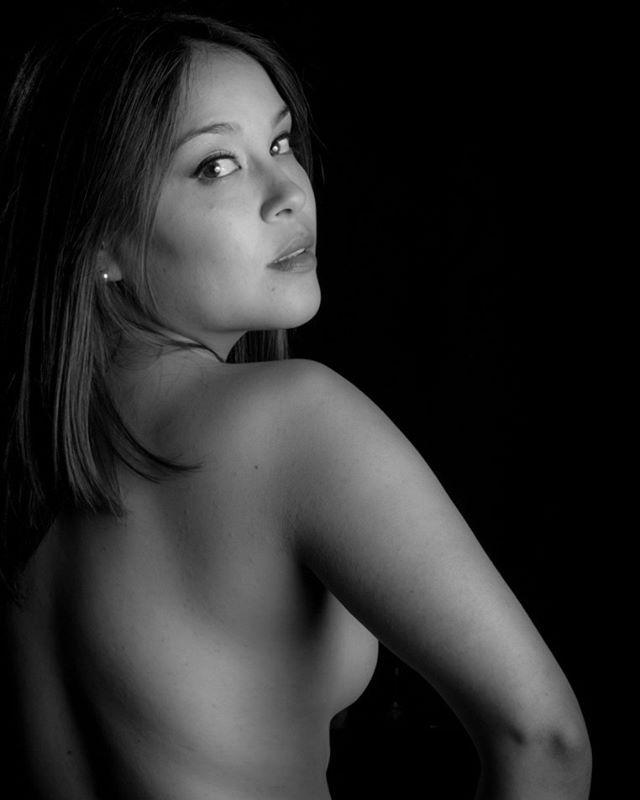 Otra de las recuperadas hace poco #beauty #portrait #blackandwhite #instasantiago #instachillan #instaconce #PursuitofPortraits #instachile #chilegram #lightroom #nikon #nofilter #photoshoot #retrato #woman #beautiful #portraitmood #_beautyportrait_ #picsta #portraitstyles_gf #portraitsession #portrait_today #portraitoftheday #portraits_ig #portraitbcyolo #portrait_perfection #rsa_portrait