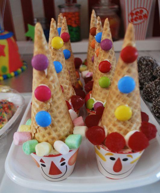 Clown cupcakes #cupcakes #clown #circus