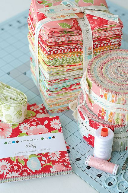 Moda Ruby Collection - Would be so cute in a little girl's room \Simply Retro by croskelley, via Flickr