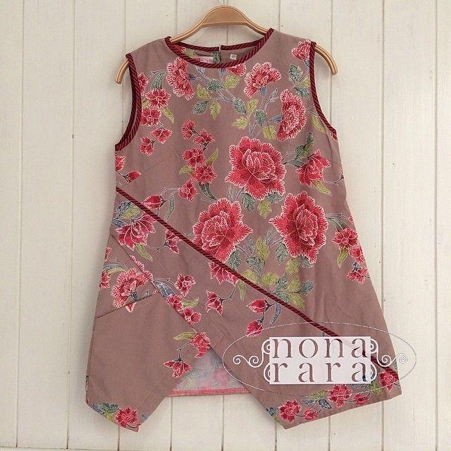 B230215 - IDR295.000 Bustline : 90cm Fabric: Batik Encim Pekalongan