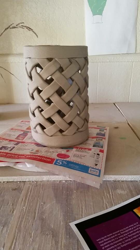 Best 25 hand built pottery ideas on pinterest for Clay pottery ideas