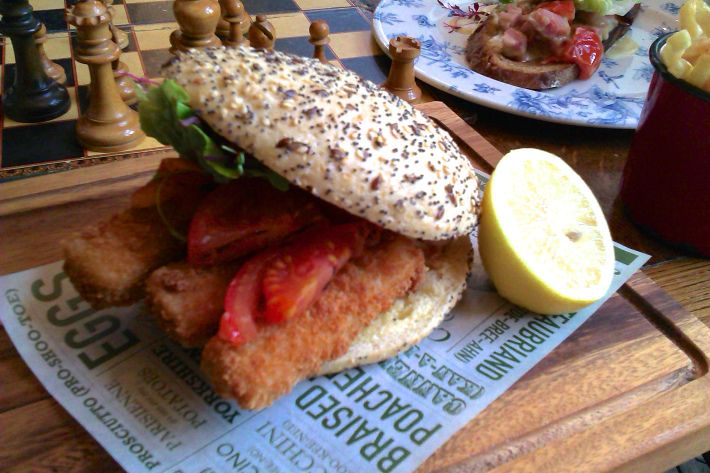 Fish finger buttie