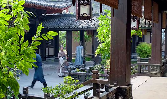 The front courtyard of a living quarter with verandahs linking between the buildings (from Nirvana in Fire) https://plus.google.com/+Simplifyyourlifepluschina/posts/cMmsbCQJUst