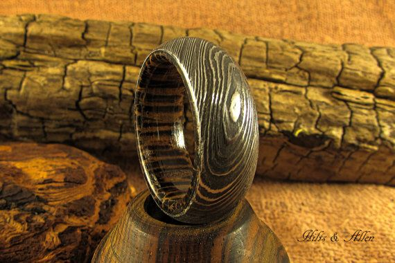 Hey, I found this really awesome Etsy listing at https://www.etsy.com/listing/458875450/damascus-steel-and-black-palm-ring