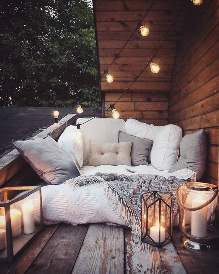 Cosy balcony corner for warm summer evenings.
