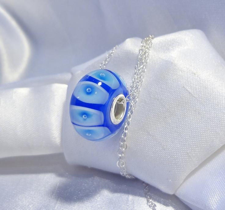 Hand made Large hole beads, fits most known brands. .-- Billes faites à la main a grand trou, conviennent à la plupart des maques connues.$10.00
