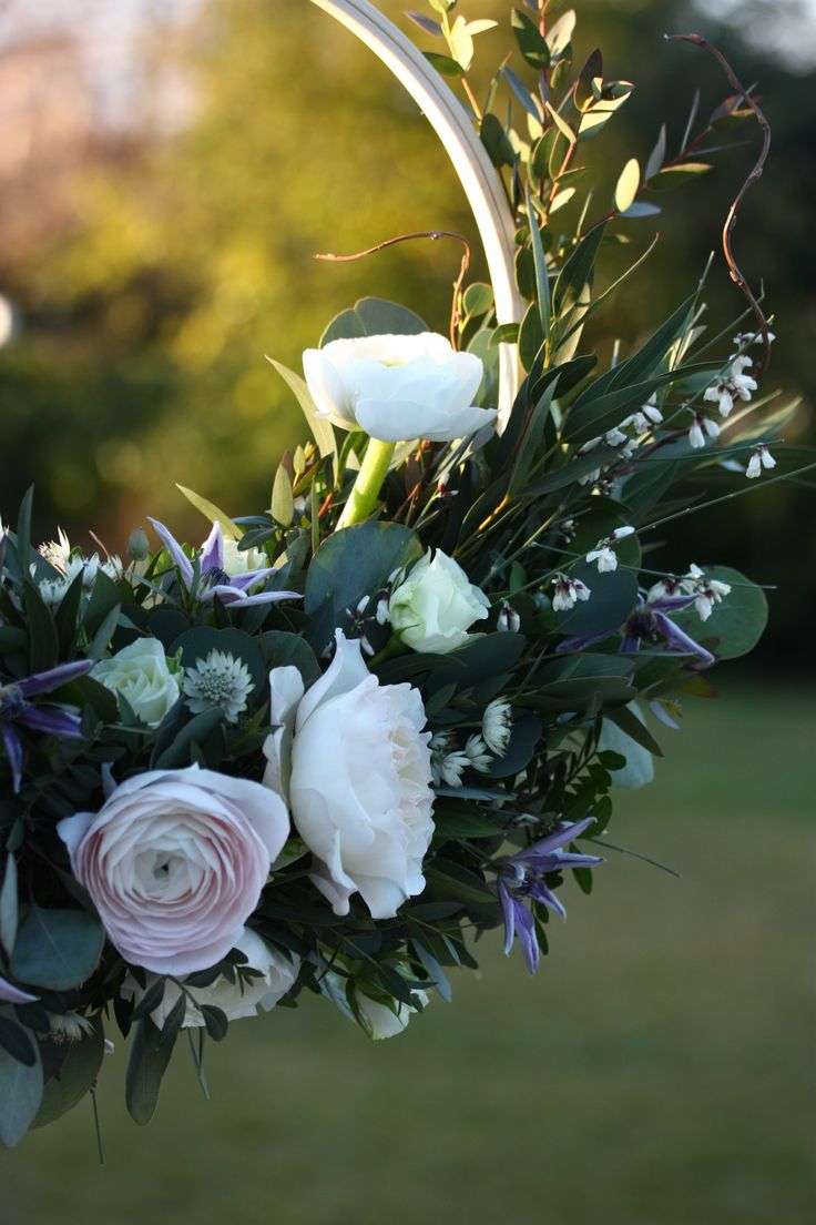 I love the light behind this bridal hoop. That Kiera Rose with those gorgeous ranunculus