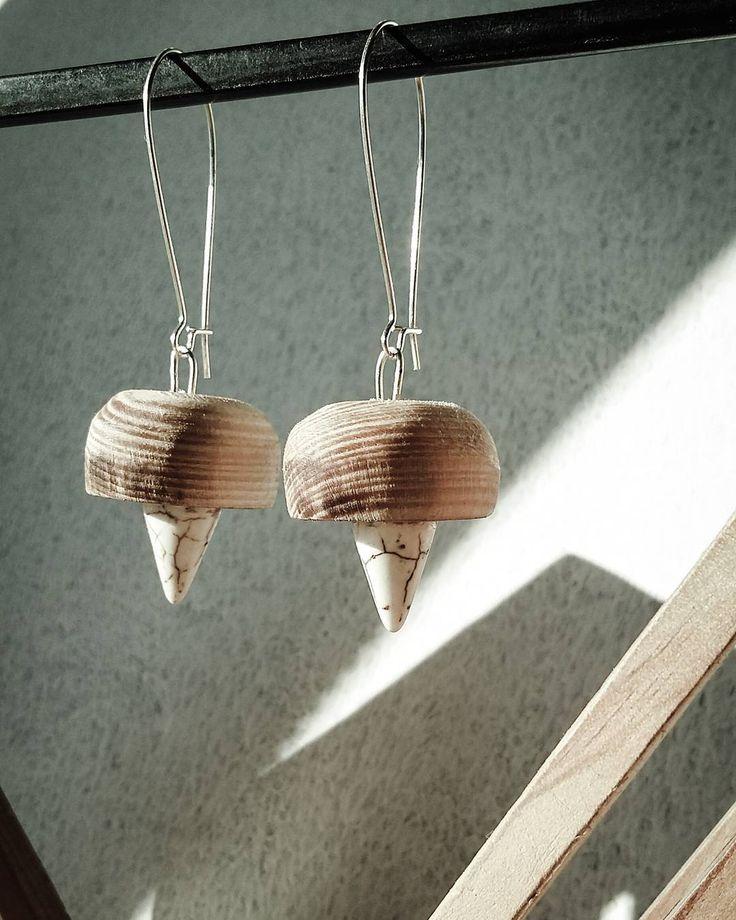 klejnoty koronne conajmniej #nysowa #srogo_design #earings #wood #stone #silver #woodwork #jewels #kolczyki #drewno #kamień #htsz siemahh de ra_nysowa