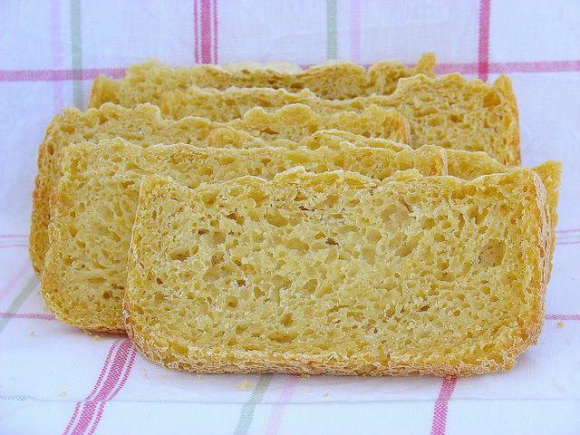 El pan de maíz es un pan compacto, denso, húmedo y de color amarillo intenso, pero mejor que leer como es, es probarlo ;)         PAN DE ...