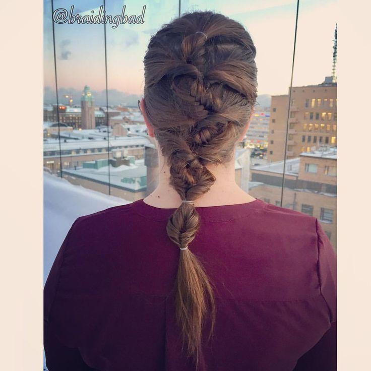 """105 tykkäystä, 10 kommenttia - Heli (@braidingbad) Instagramissa: """"#fishtailbraid with flips on @iamladyrara 🏢🌆🏙💕 . #kalanruotoletti #kampaus ja talvinen…"""""""
