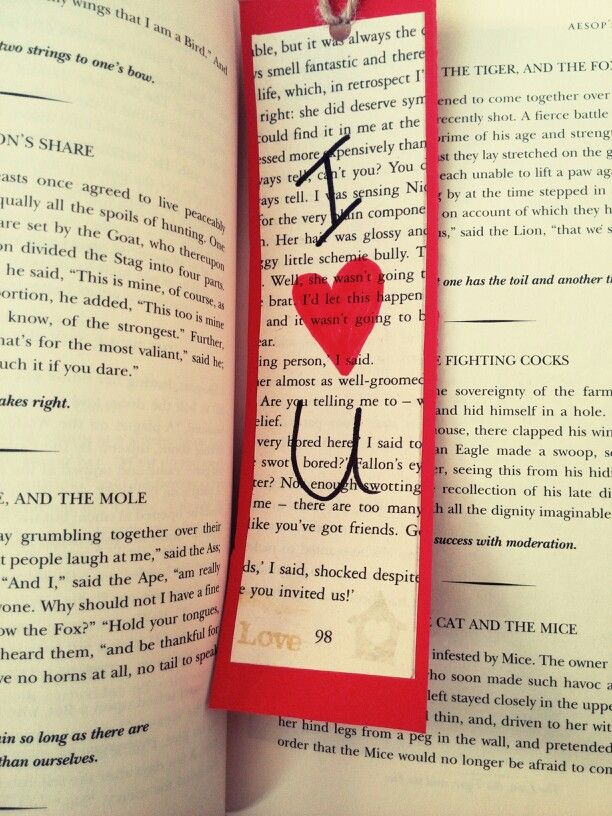 DIY bookmarks to show your book nerd how much you love them. Easy interchangeable bookmark craft.