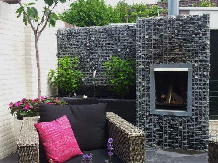 int grer le mur gabion comme l ment d coratif dans le. Black Bedroom Furniture Sets. Home Design Ideas