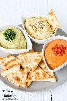 Trío de hummus: clásico, al aguacate y al pimiento asado. Perfecto para canapés, tostas o picoteo