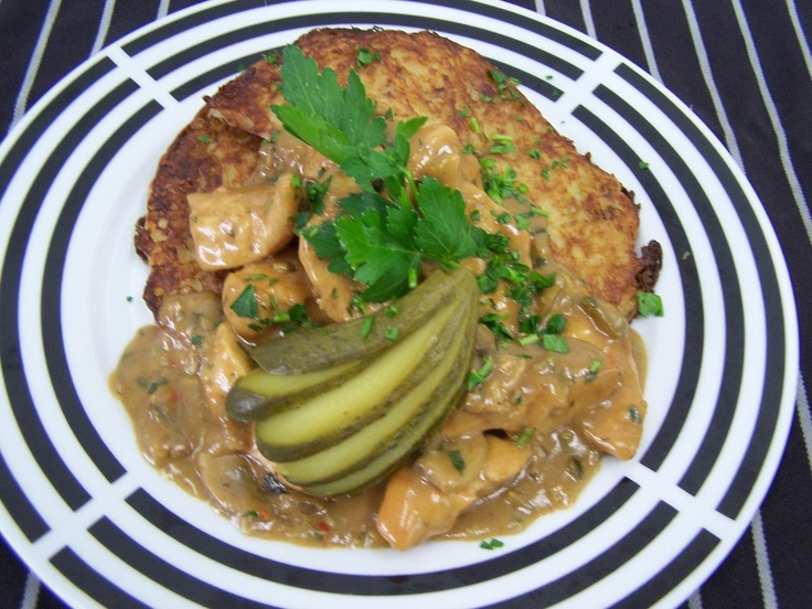 "Chicken Filet Stripes ""Stroganoff"" served with Potato Rösti"