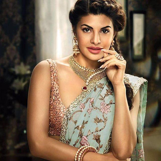 Jacqueline Fernandez in a SHYAMAL & BHUMIKA saree for Khazana jewelry #bridalfashion #handcrafted #jewelrycampaigns #jacquelinefenandez #saris #weddingcouture #indianwear #indianbrides #southasianfashion #fairytale #sarees #shyamalandbhumikasari #celebsinshyamalandbhumika #shyamalbhumikaoninstagram #instasari @jacquelinef143