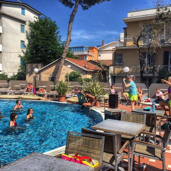 #zumba #acquagym #attività #vacanza #staff #amiche #festa #ginnastica #fun #hotel #Bellaria