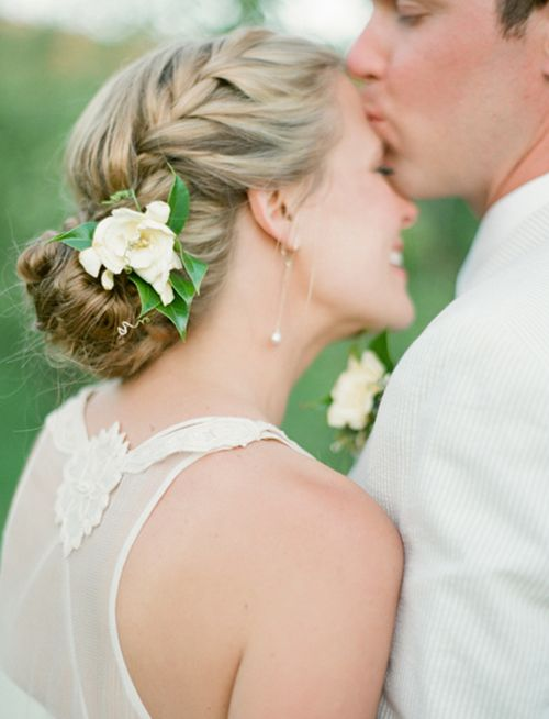 Summer Lovin': See the Prettiest Warm-Weather Wedding Hairstyles