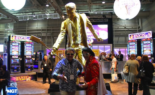 Oversized gold Elvis statue that would serve as the event's centrepiece (ideal for Facebook friendly photo opps!)