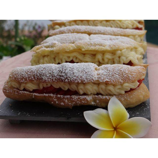Éclairs à la vanille & aux fraises ! Recette en ligne sur mon blog ...