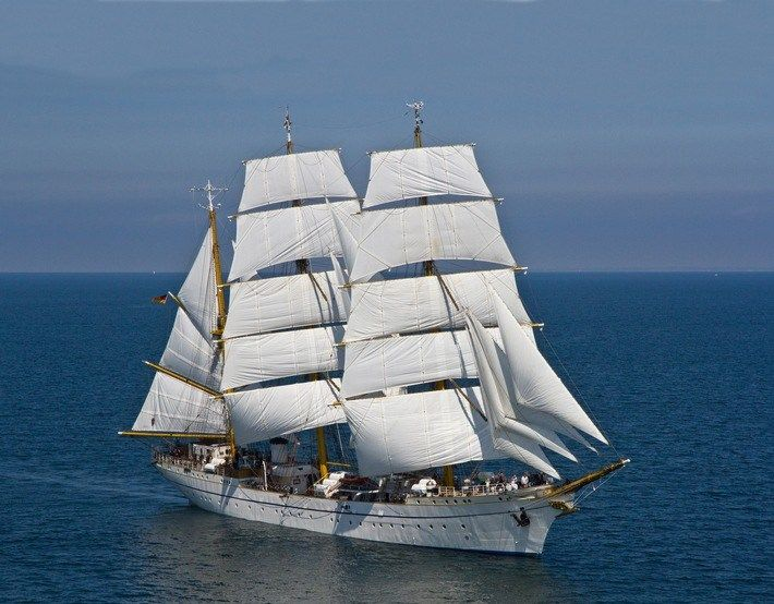 5519 best velamen images on pinterest tall ships sailing ships and boats. Black Bedroom Furniture Sets. Home Design Ideas