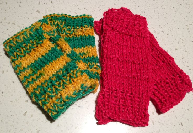 More fingerless hand warmers, I am on a roll :)