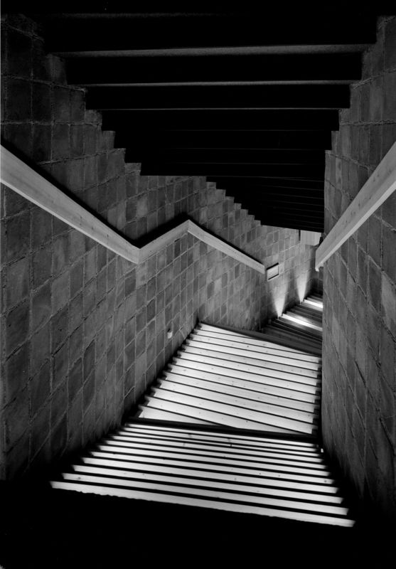 Interior Photography of stairs in Kongsberg cinema by Teigens Fotoatelier, 1965. DEXTRA Photo, CC BY