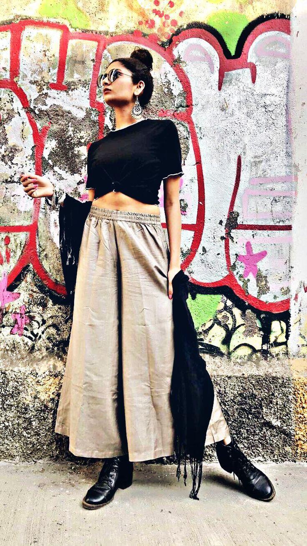 Shop This Indo Fusion Look From FOWON.SHOP #fowon #forwomenonly #fashion #style #onlineshopping #womensfashion #indowestern #fusion #ethnic #ethnicwear #lookbook #clothing #indianwedding #indianfashion #indianwear