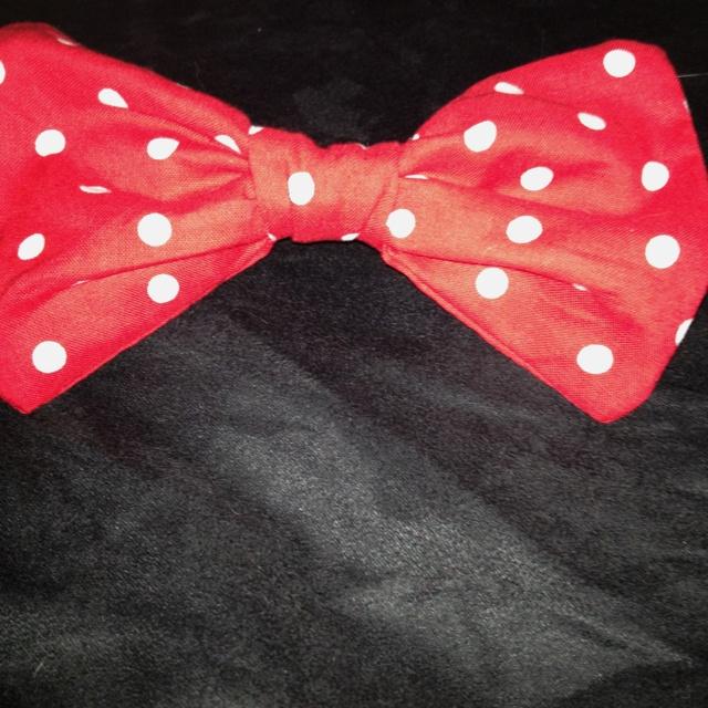 Polka dot bow on hair tie