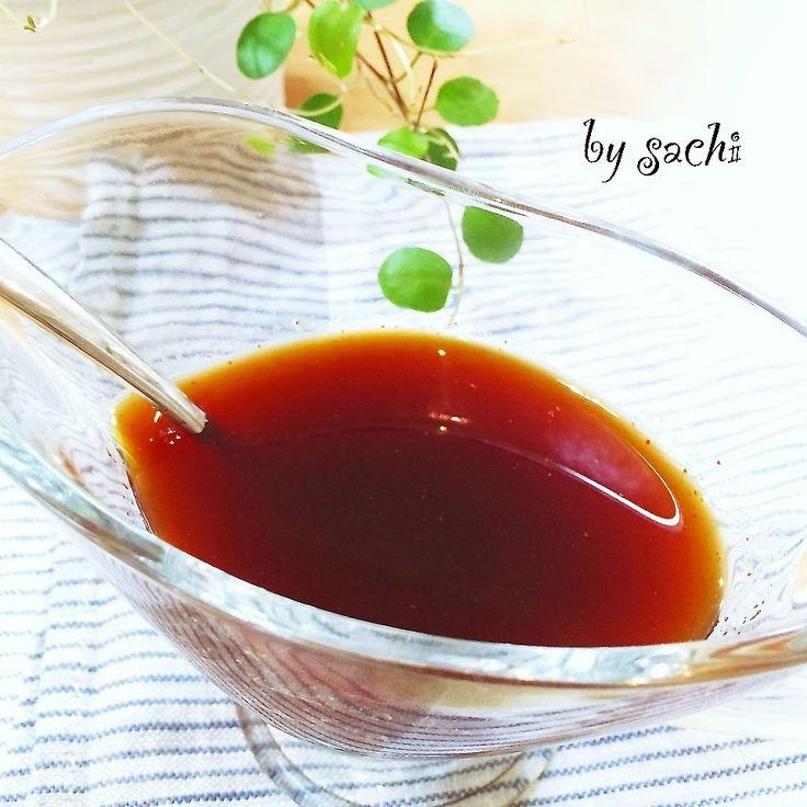 炒め物、和え物など混ぜ合わせておくと 重宝する、韓国系のたれです◎ 〜材料〜 コチュジャン・・・大さじ2杯 酢・・・大さじ2杯 醤油・・・大さじ2杯 てんさい糖(砂糖)・・・大さじ2杯 酒・・・大さじ2杯 〜作り方〜 1材料を全て小瓶に入れ、混ぜ合わせたら、出来上がり! ~コツ・ポイント~ 調味料の量は 全て同量なので覚えやすいです♪ お弁当に使いやすいように このたれには、ニンニクが入ってません! おうちごはんの時は お好みでニンニクを加えてアレンジしてください♪ ブログを更新してます! PCの方は、ペコリブログよりどうぞぉ〜♡ 楽しく過ごせたら二重マル〜sachi'sおうちごはん〜 http://ameblo.jp/sachi825/entry-12149861089.html