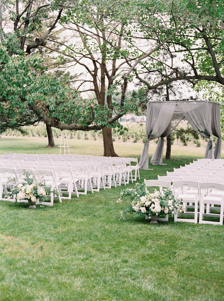 Gorgeous But Simple Outdoor Wedding Reception Setup Outside Wedding Ceremonies Wedding Ceremony Decorations Outdoor Garden Weddings Ceremony