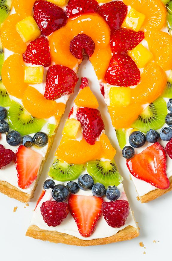 Fruit Pizza - this is AMAZING!! A summer must try recipe for sure!