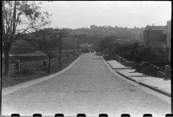 1943 - Rua Alagoas. À esquerda temos o terreno onde foi construída a FAAP (Fundação Armando Álvares Penteado). Foto de Benedito Junqueira Duarte. Acervo da Casa da Imagem.