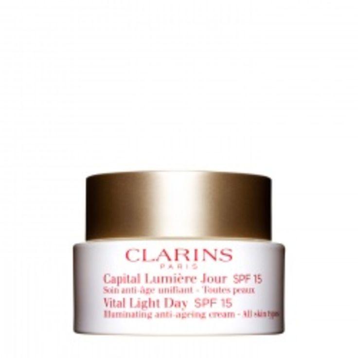 Clarins Capital Lumière SPF15. Dit innovatieve verzorgingsproduct tegen huidveroudering geeft de huid de vitaliteit en stevigheid weer terug.